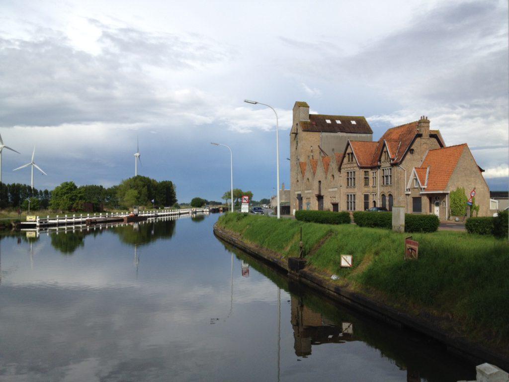 Belgique Nieuport canal Plassendale-Nieuport
