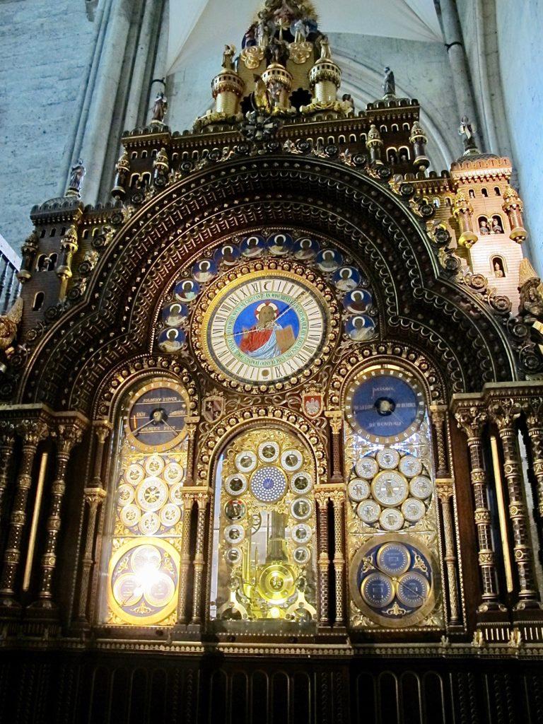 Beauvais-cathedrale-saint-plierre-horloge-astronomique