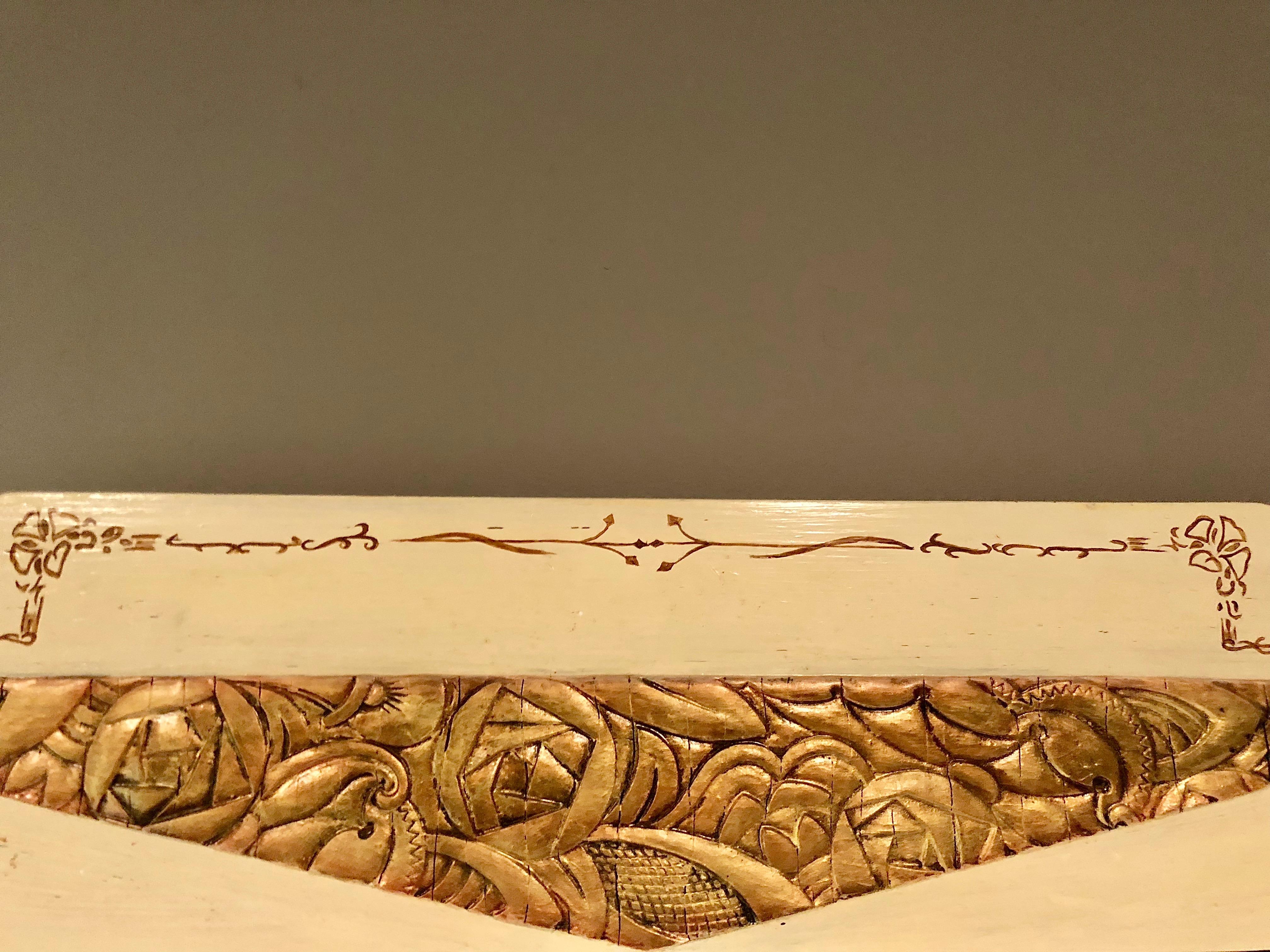 habiter salle de bains miroir frise fleurs art deco plus au nord. Black Bedroom Furniture Sets. Home Design Ideas