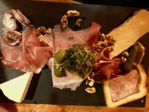 Lille-La-Luck-planche-charcuterie-fromage