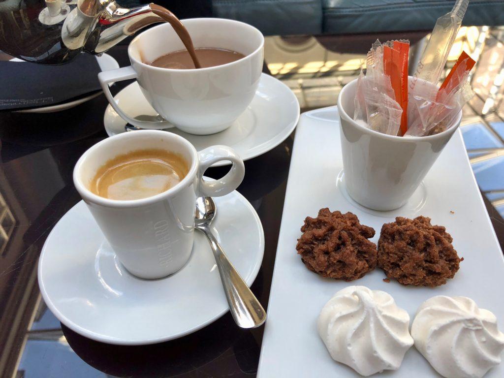 Café et chocolat chaud - bar L'Hermitage de l'hôtel Gantois à Lille