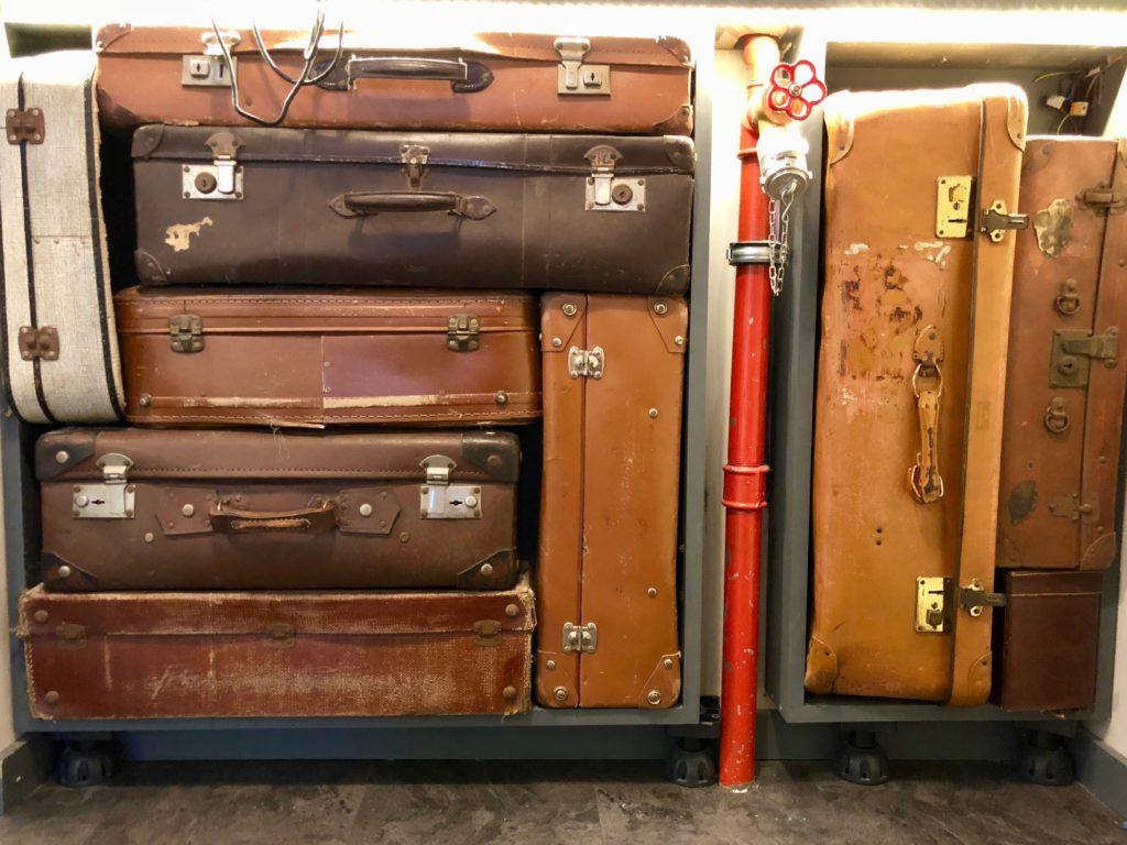 Vieilles valises Train Hostel à Bruxelles Belgique