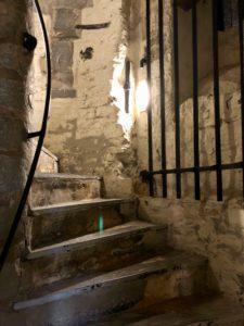 Montée escaliers - beffroi de Tournai Belgique
