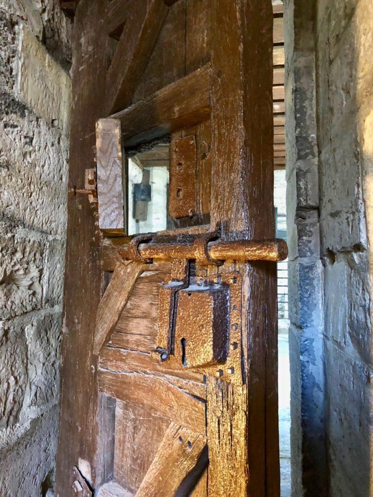 Porte du cachot - beffroi de tournai Belgique