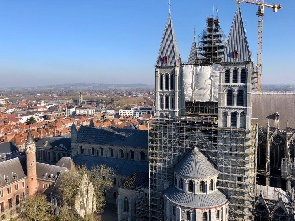 Vue sur la cathédrale du beffroi de Tournai - deuxième étage