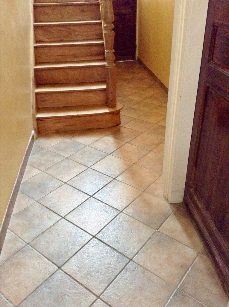 un carrelage ciment des carrelages du marais pour r nover mon long couloir. Black Bedroom Furniture Sets. Home Design Ideas