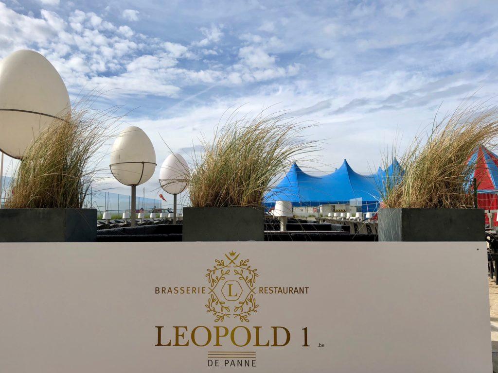 Entrée terrasse brasserie Leopold 1 - La Panne Belgique