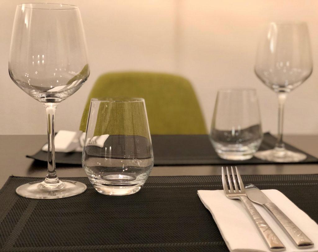 Table dressée au restaurant L'Epicure à La Madeleine