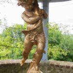 Réplique enfant au poisson Temple de l'amour - Jardins Henri le Sidaner Gerberoy Oise