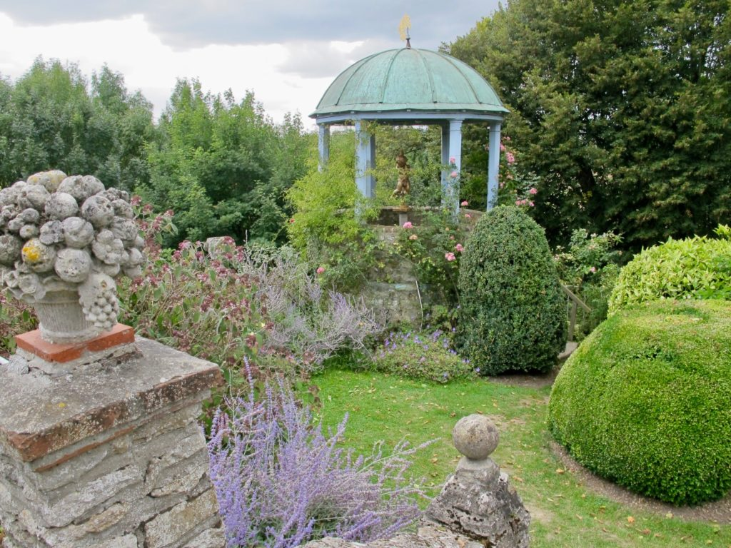 Temple de l'amour - Jardins Henri le Sidaner Gerberoy Oise