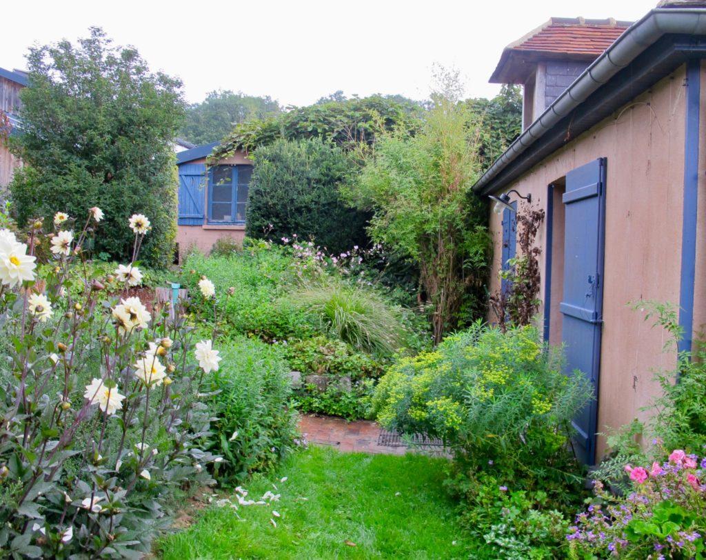 Jardin André van Beek - maison volets bleus