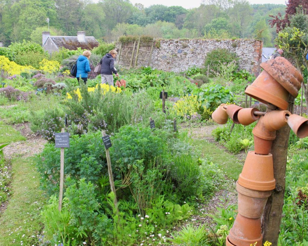 Epouvantail en pots de terre - Herbarium Saint-Valery-sur-Somme