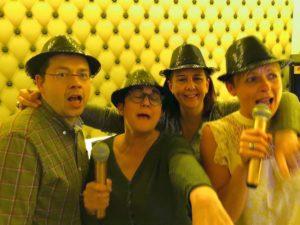 Au Singing Studio Lille avec chapeaux