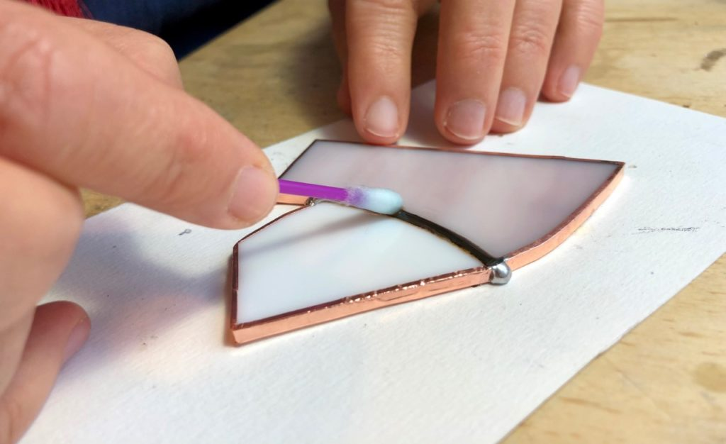 Verronimo fabrication vitrail Tiffany pose patine noire