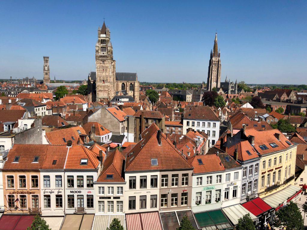 Vue sur Bruges du toit-terrasse du Concertgebouw