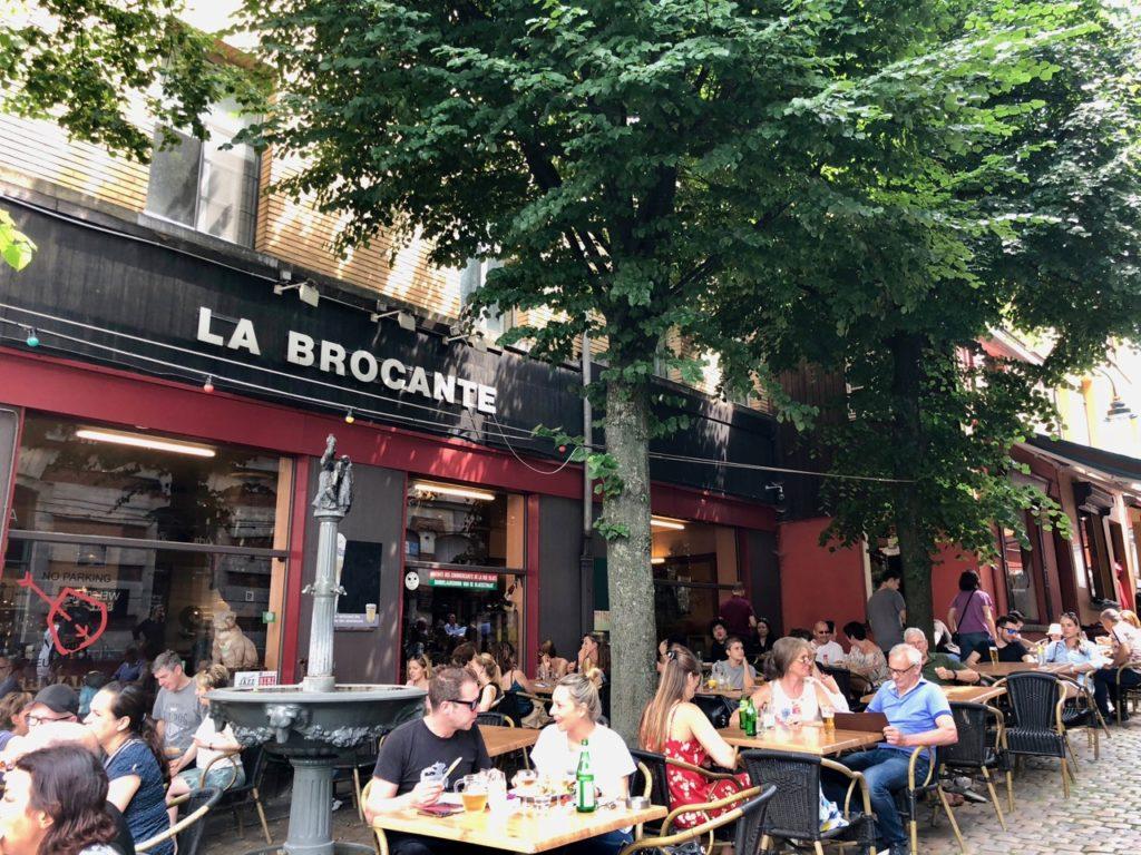 Bruxelles Marolles cafe la brocante terrasse