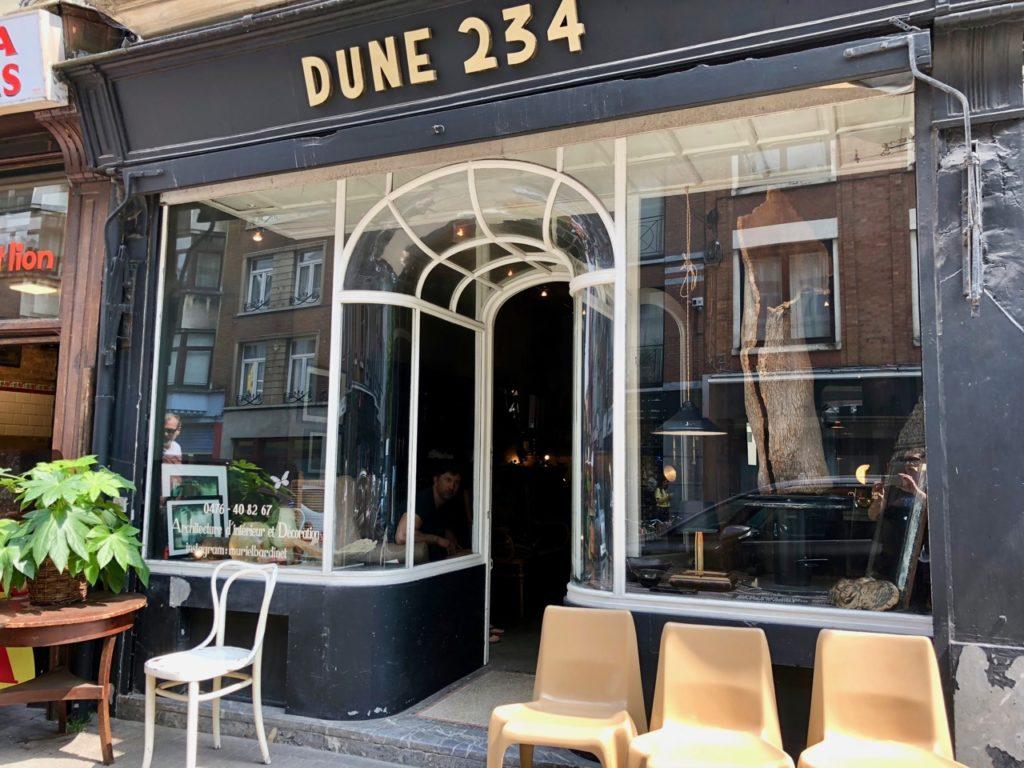 Bruxelles marolles rue haute boutique antiquaire dune