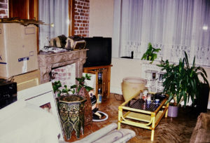 Maison en désordre pendant déménagement