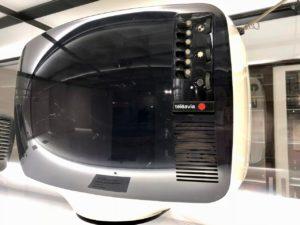 Télé en plastique - musée ADAM Bruxelles Belgique