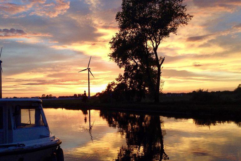 coucher de soleil sur canal passendale