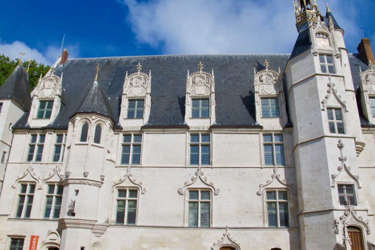 beauvais-musee-de-oise-facade-vue-ensemble