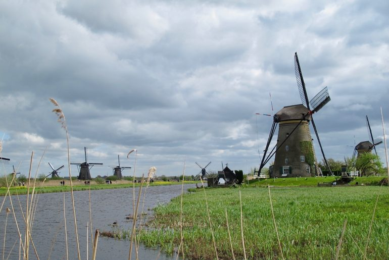 Pays-bas-kinderdijk-photo-accueil