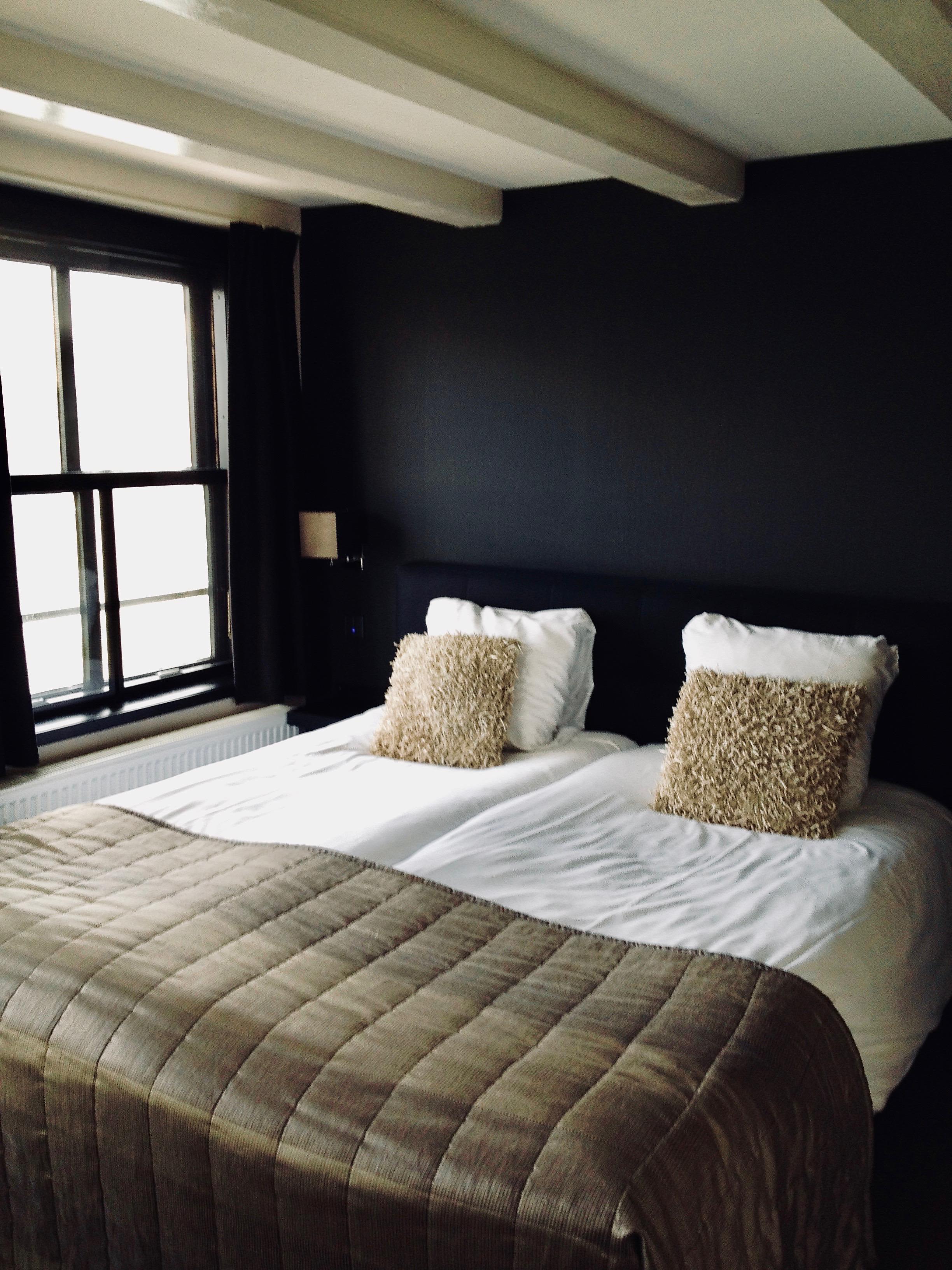 pays-bas-dordrecht-hotel-bellevue-chambre-noire - Plus au nord