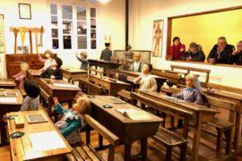 saint-quentin-village-metiers-antan-salle-classe
