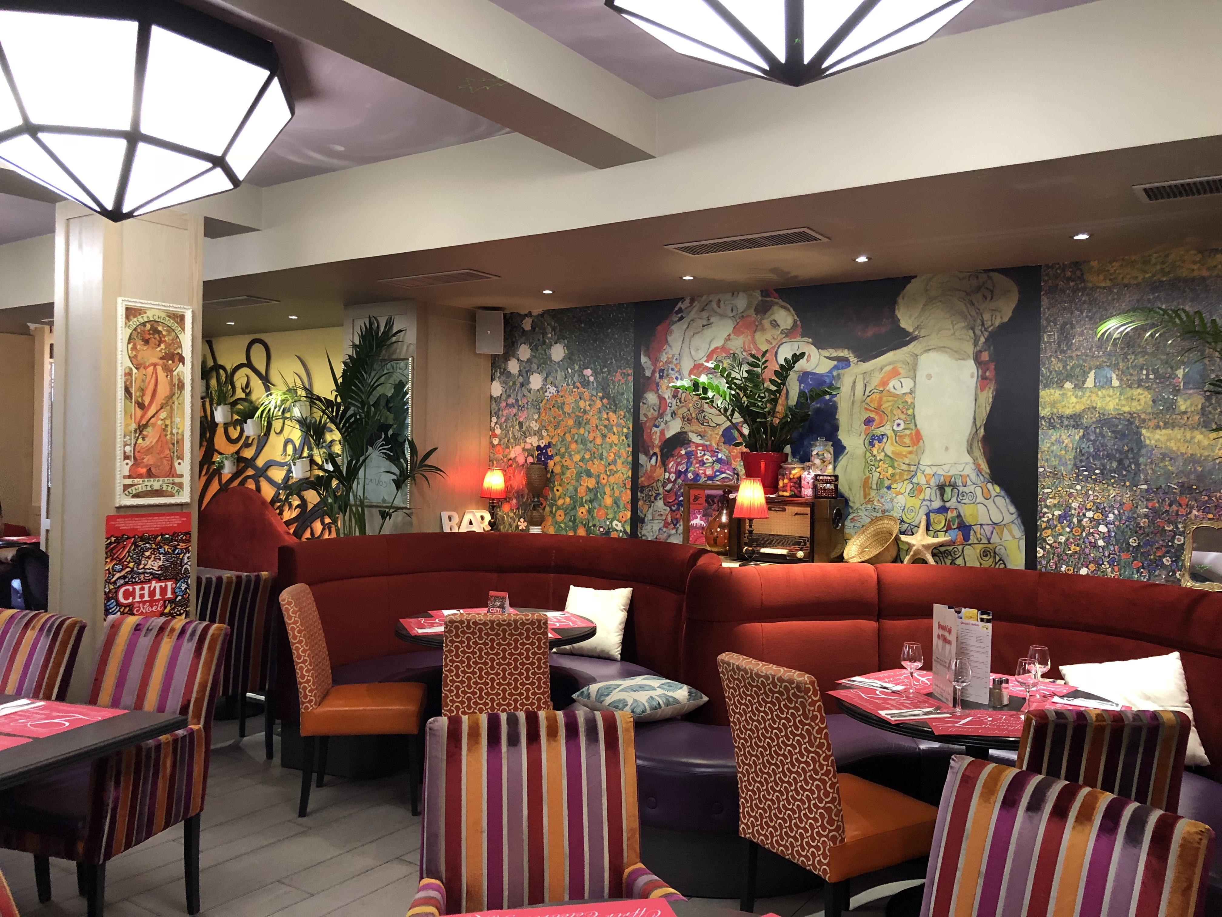 Déjeuner Au Grand Café De Lunivers à Saint Quentin Un Univers