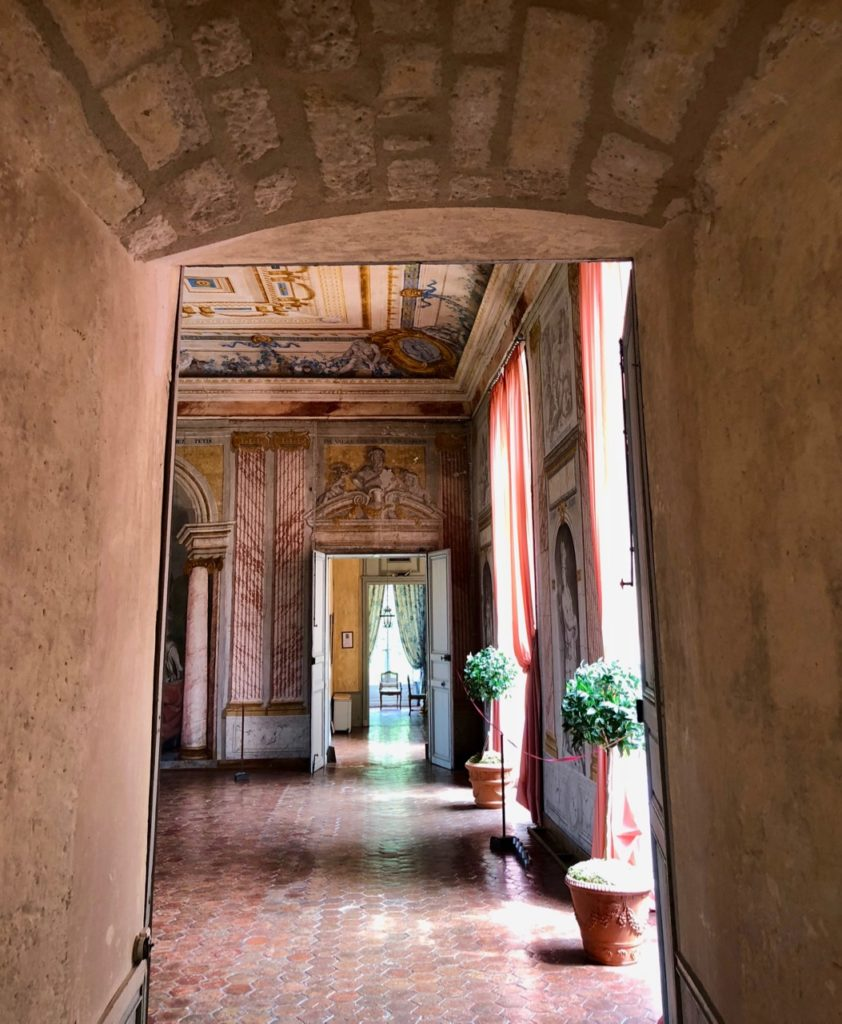 Château Condé-en-Brie - couloir en-enfilade