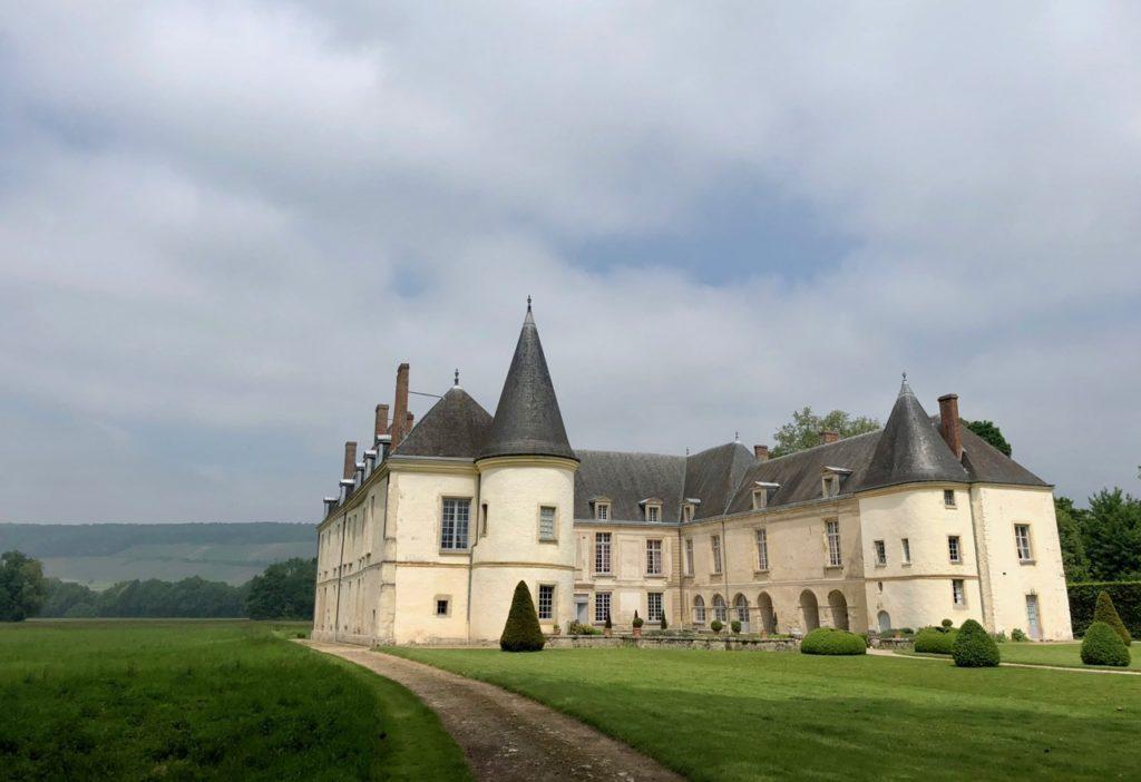 Château Condé-en-Brie - extérieur avec ciel gris