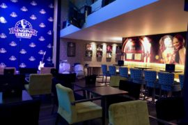 Lounge bar avec scène - Singing Studio Lille