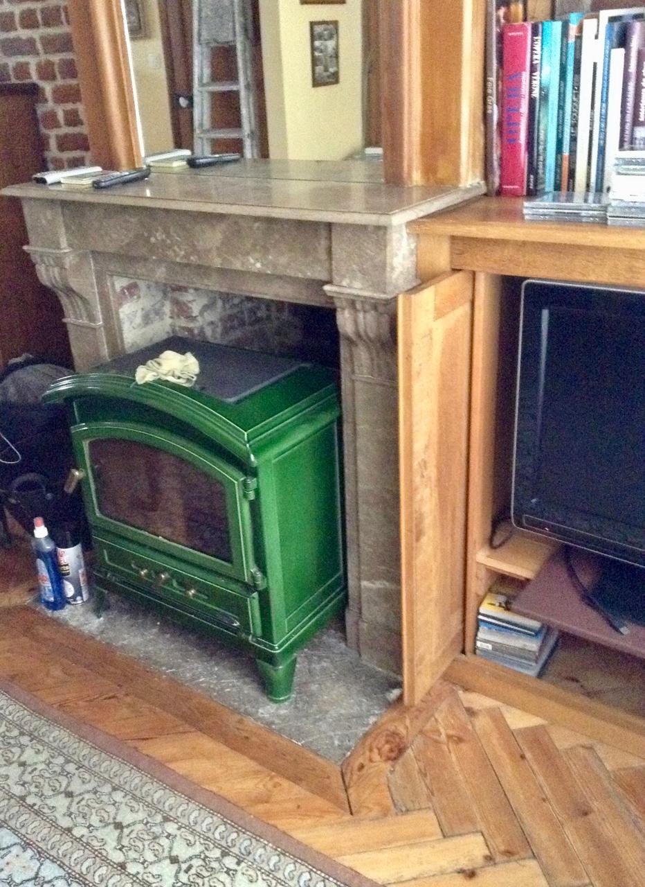 poele a bois godin maison annees trente plus au nord. Black Bedroom Furniture Sets. Home Design Ideas
