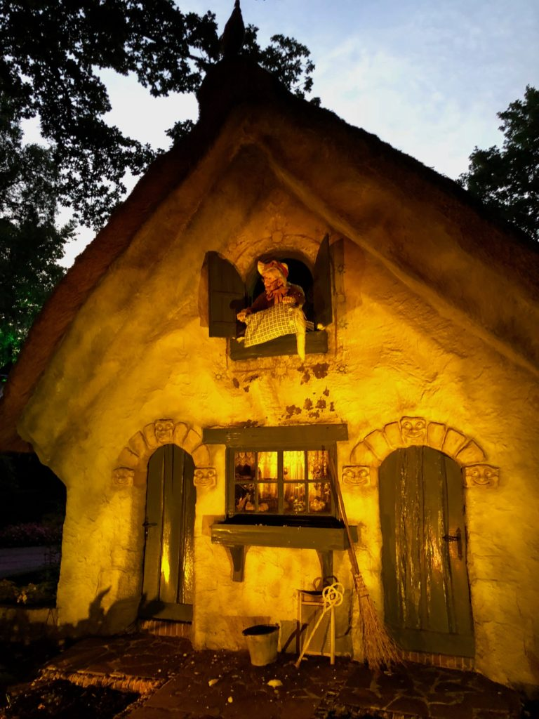 Parc Efteling bois contes dame holle
