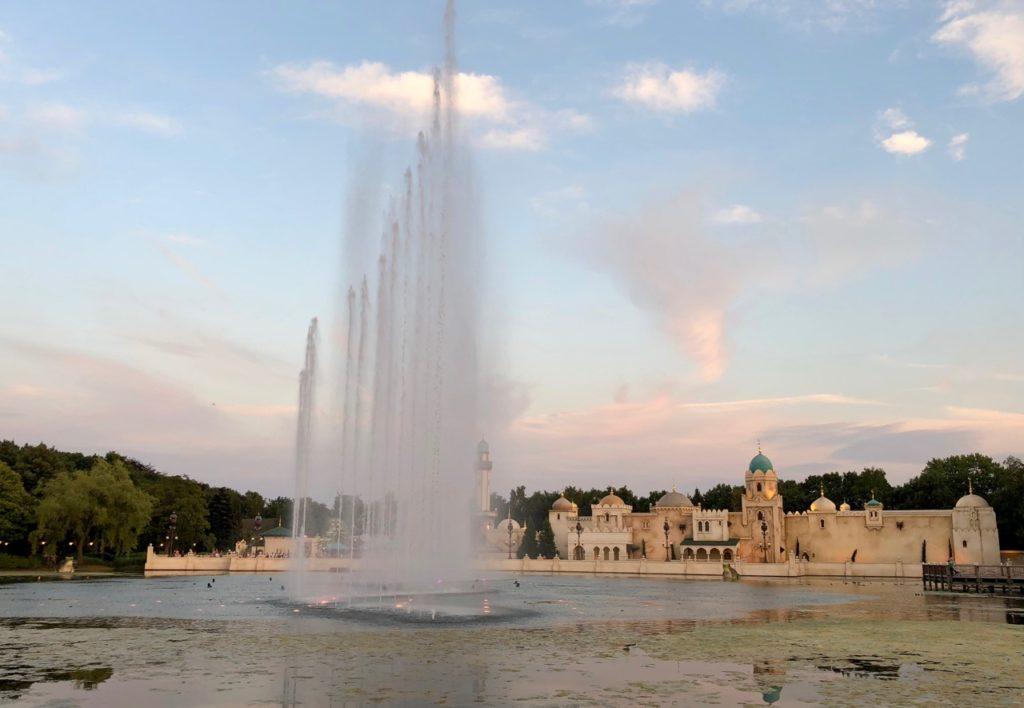 Parc Efteling chateau Fata Morgana spectacle aquatique