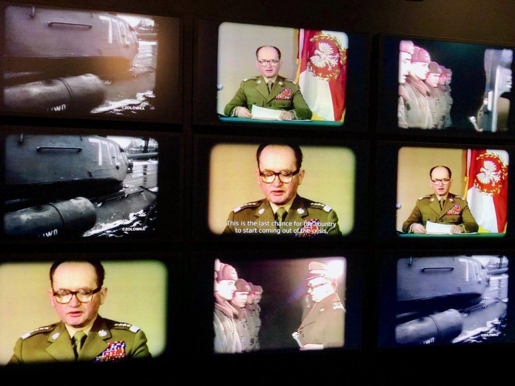 Pologne Gdansk ECS musee Solidarnosc video annonce loi martiale general Jaruzelski