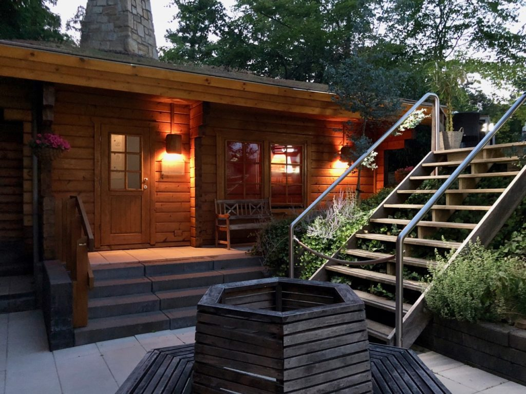 Thermae 2000 Pays-Bas sauna exterieur tombee nuit