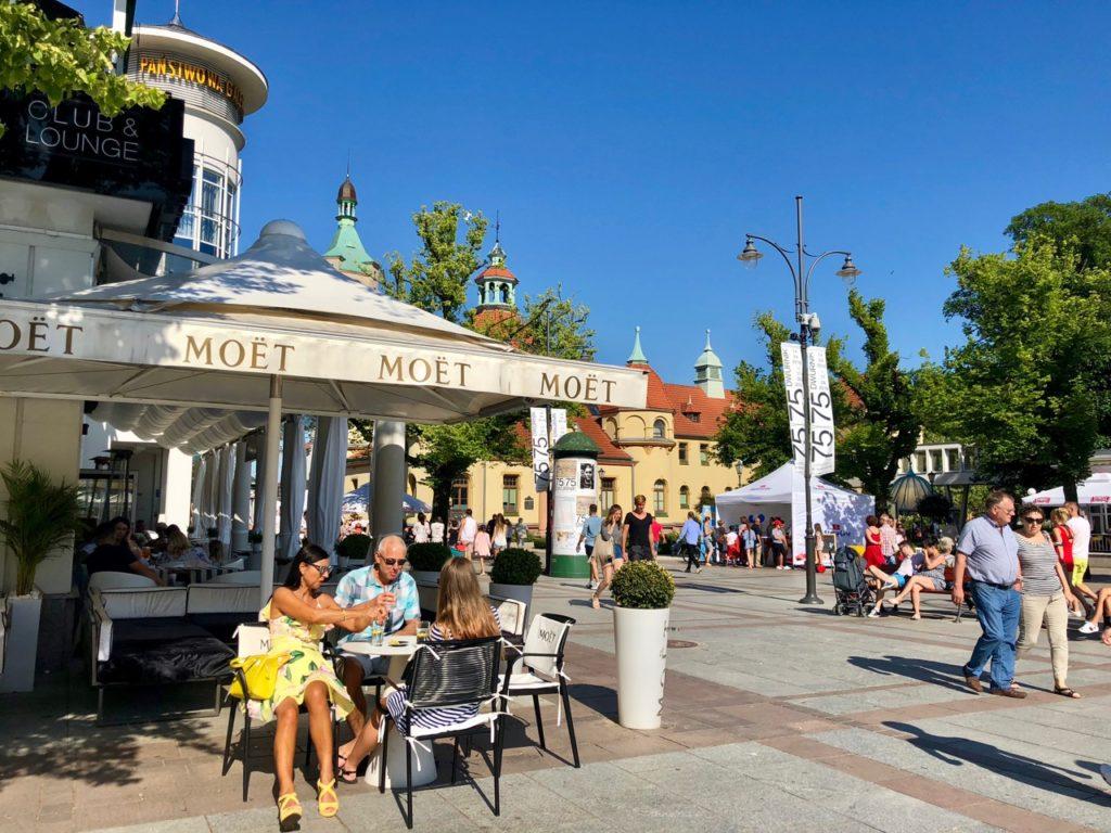 Pologne Sopot centre station terrasse