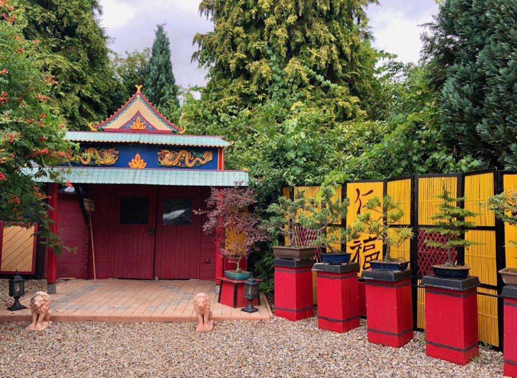 Jardins de Ly Sénarpont Somme - bâtiment toilettes japonisantes