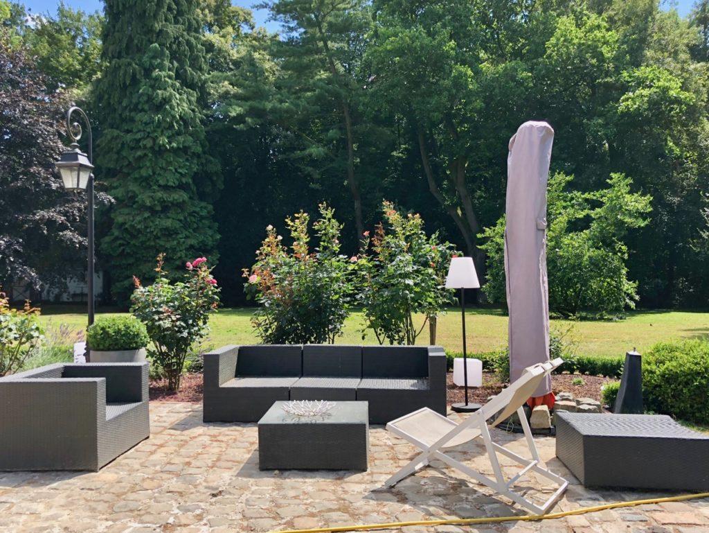 Le Chatreau Fresnoy-en-Gohelle salon jardin