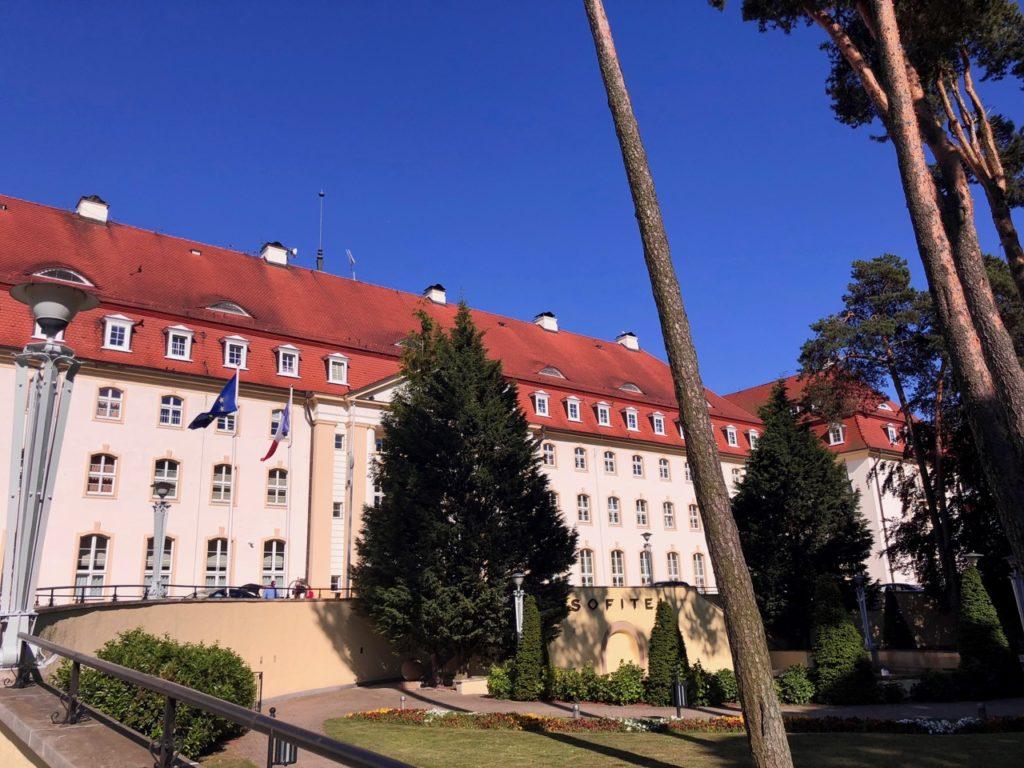 Pologne-Sopot-Grand-Hotel-facade-largeur