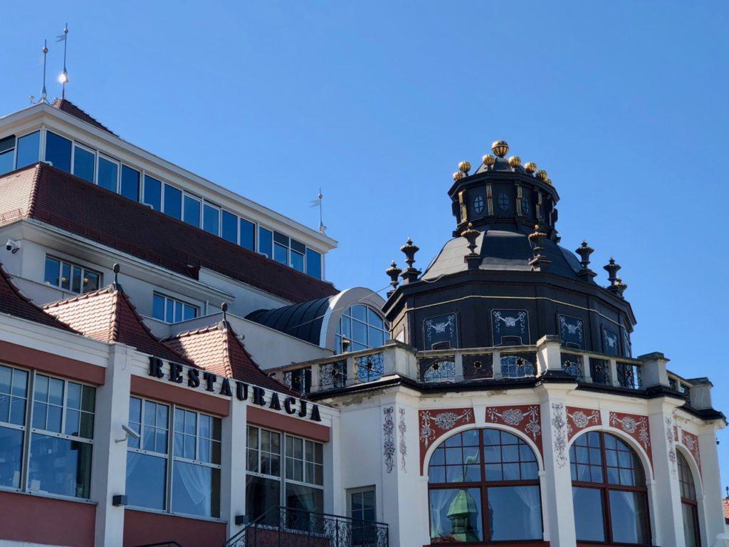 Pologne-Sopot-restaurant-front-mer