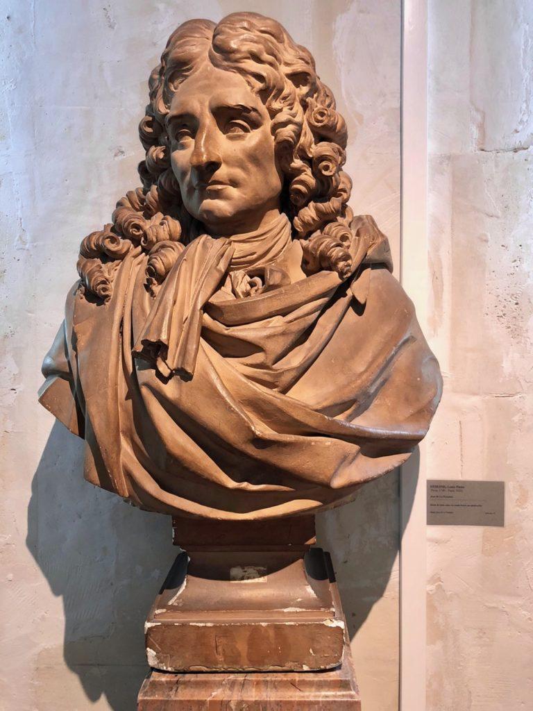 Chateau-Thierry-Maison-La-Fontaine-statue-ecrivain
