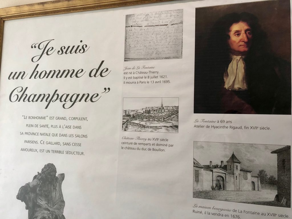 Chateau-Thierry-musee-La-Fontaine-panneau-biographie