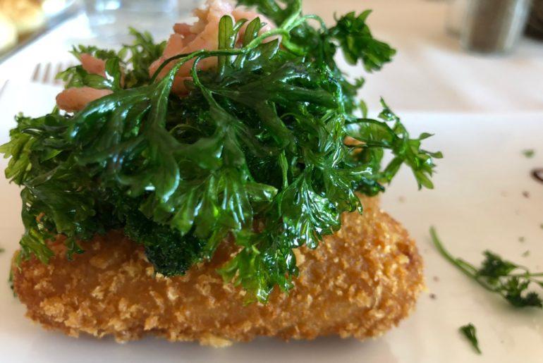 Ostende-St-Malo-restaurant-croquettes-de-tres-pres