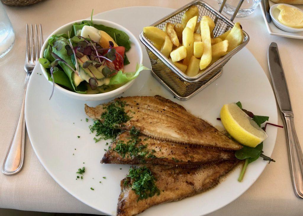 Ostende-St-Malo-restaurant-soles-vue-ensemble