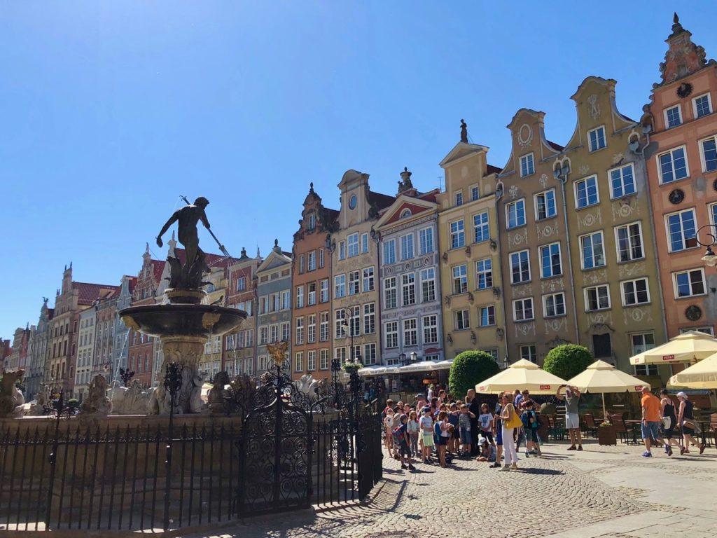 Pologne Gdansk place avec fontaine Neptune