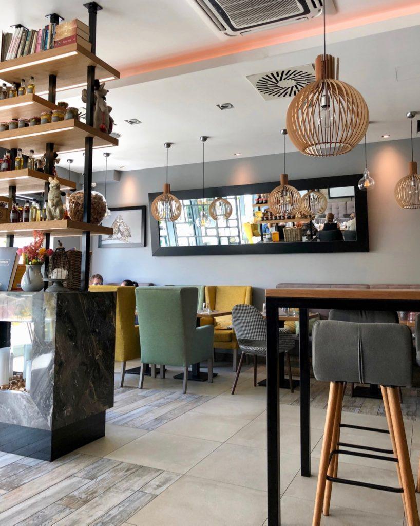 Pologne Gdansk restaurant Correze interieur