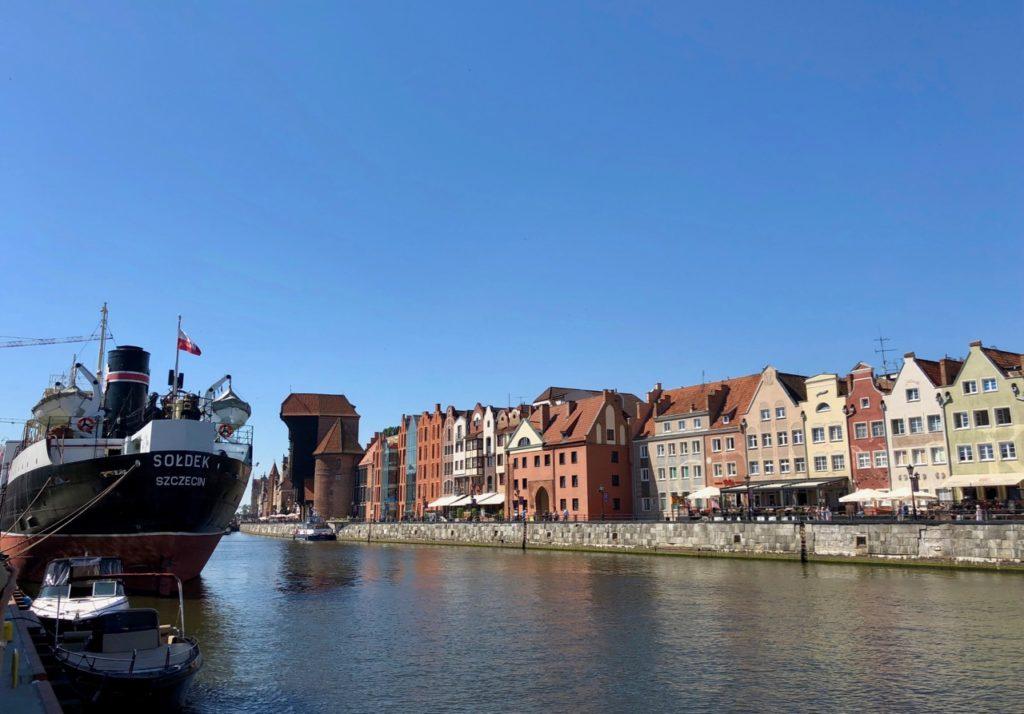 Pologne Gdansk vue quai avec bateau Soldek