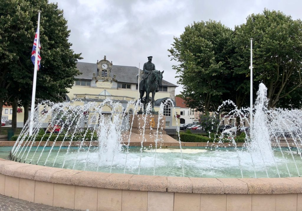 Montreuil-sur-Mer place du Théâtre